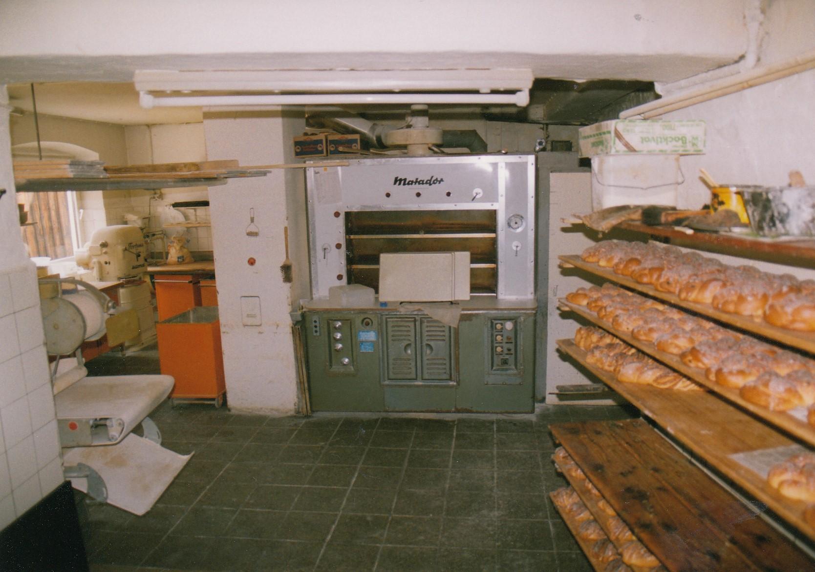 1994-Backstube-kurz-vor-dem-Einbau-eines-neuen-Backofen-2